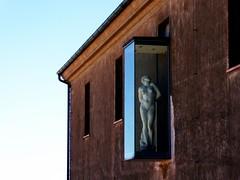 il cielo era blu (fotomie2009) Tags: italy sculpture architecture italia liguria statua architettura savona priamar