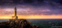 Faro de Punta Nariga (Juan Figueirido) Tags: sunset espaa lighthouse faro spain galicia puestadesol costadamorte puntanariga nariga barizo csarportela malpicadebergantios fz150 farodepuntanariga farosgallegos farosgalegos panasonicfz150 juanfigueirido