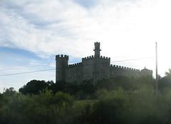 Rechts der der Strae eine Burg (pilgerbilder) Tags: pilgern pilgerfahrt pilgertagebuch vadellaplata aldeadelcanocceres