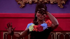 RuPaul's Drag Race S5 GIF (messiole) Tags: race season drag 5 smelly smells rupaul rupauls 5x09 ifttt giphy