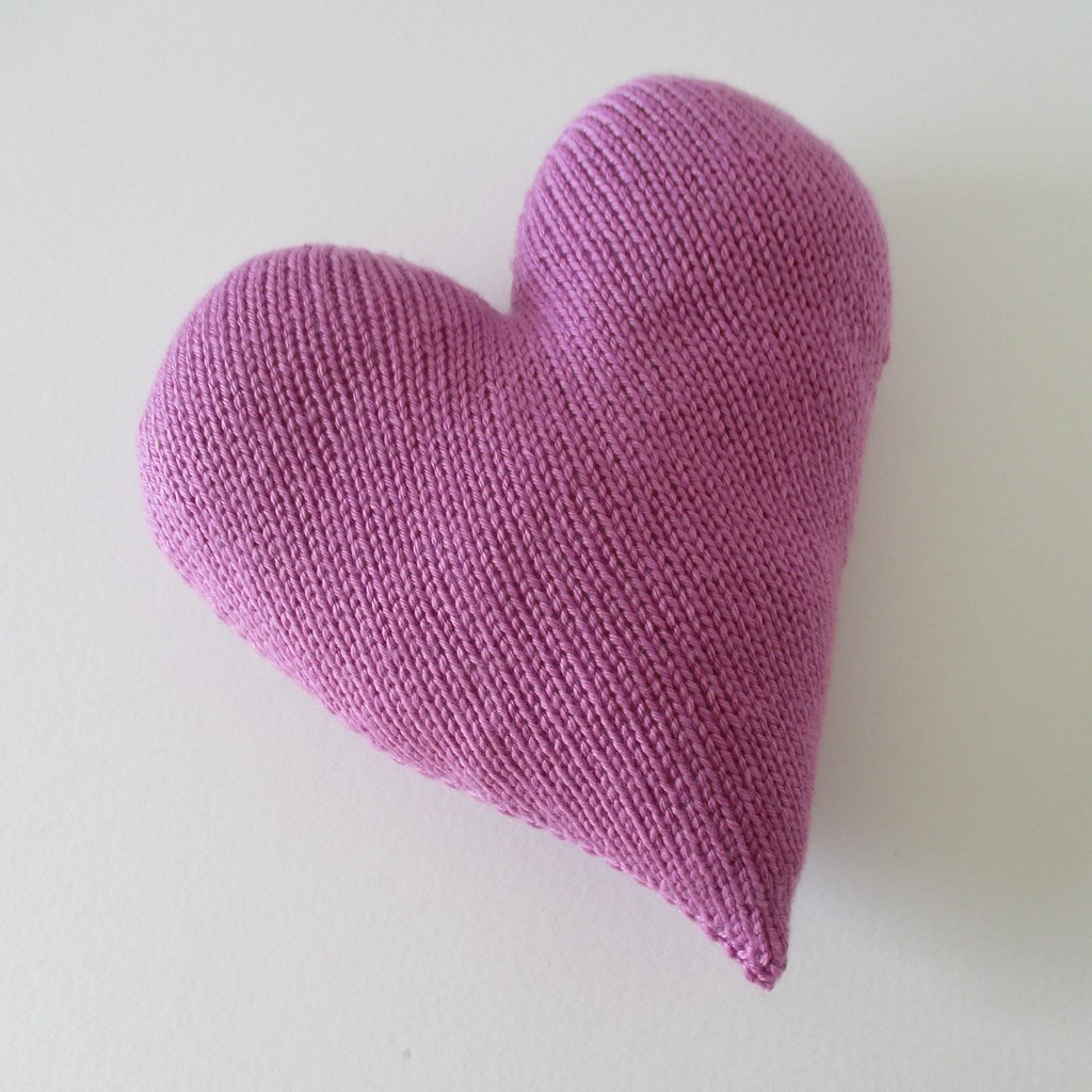 The worlds best photos of knitted and pillow flickr hive mind heart cushion knitting patterns by amanda berry tags pink wedding amanda love hearts bankloansurffo Gallery
