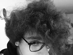 Il Davide......Uccello (brunomancuso) Tags: gente napoli mode davide ritratto occhio primopiano strano newage capelli occhiali papero uccello volatile guardo buffo personaggi ciuffo capellilunghi occhiolino