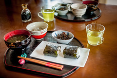 Typical breakfast in Japan (Stphane.) Tags: food seaweed japan breakfast japanese soup miso dish rice soupe foodporn onigiri meal cha tohoku japon yamagata algues ocha gohan th asagohan