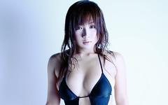愛川ゆず季 画像1