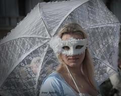 Venezia (bruno barbero) Tags: carnevale venezia azzurro bianco parasole bionda seleziona
