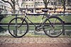 Nein, es ist woanders... (Photoauge.) Tags: bike de deutschland streetphotography workshop fluss düsseldorf nordrheinwestfalen fahrrad leicam leicasummarit thomasleuthard