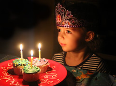 Princesss birthday whishes (On Explore 3/21/2016) (die Augen) Tags: birthday portrait face canon eyes lowlight candle princess cupcake crown sl1 portray