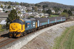 37401 passes Cart Lane (Ross Taylor pictures 2015) Tags: cumbria preston 1004 barrow furness drs class37 37401 2c47