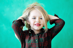 Carlota (Eduardo Valero Suardiaz) Tags: red verde green girl hair babe lips nia blonde rubia labios guapa pelo beautifull carlota rojos