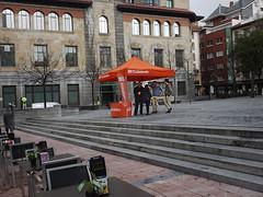 Plaza Porlier. Oviedo (Jusotil_1943) Tags: plaza oviedo escaleras politica elecciones opc041215