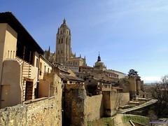 Segovia (santiagolopezpastor) Tags: espaa tower wall spain torre cathedral catedral segovia walls espagne muralla castilla castillaylen murallas provinciadesegovia