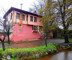 Edessa, Greece: old pink house and a stream / :      (Ath76) Tags: house architecture spring stream europe mediterranean greece macedonia griechenland edessa grece makedonien yunanistan macedon grekland   macedoine