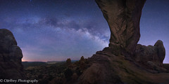 North Window Arch - Night (OJeffrey Photography) Tags: panorama night ut nikon anp pano archesnationalpark d800 milkyway northwindow jeffowens ojeffrey ojeffreyphotography