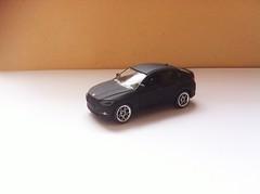 BMW X6 (Die Cast Collector 1-64) Tags: chile china scale toys model wheels m 124 hotwheels bmw 164 autos majorette matchbox 172 143 coleccion diecast tomica maisto escala burago x6 bburago cararama motormax realtoy hongwell zylmex rastar guisval