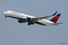 Delta Airlines, Boeing 767-300(WL) (Ron Monroe) Tags: boeing lax airlines 767 airliners deltaairlines klax n198dn