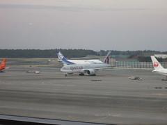 IMG_1819 (johnkoji) Tags: japan airplane tokyo airport jl kz narita qr nrt b777 7c b747f