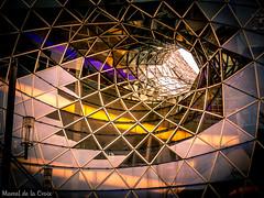 Fassade mit Durchblick (Marcel de la Croix) Tags: canon de la marcel power shot frankfurt kunst architektur glas fassade croix g1x