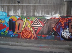 059 (en-ri) Tags: muro wall writing torino graffiti giallo viola arancione fulmine bortz