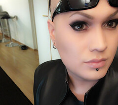 MATRIX (Miisu Miisulainen) Tags: halloween leather tv eyes tranny transvestite smoky crossdresser 2015