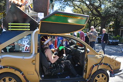 Socit de Ste. Anne 088 (Omunene) Tags: costumes party fun neworleans parade alcohol mardigras partytime faubourgmarigny licentiousness neworleansmardigras walkingparade socitdesteanne mardigras2016 alcoholfueledlicentiousness roylstreet