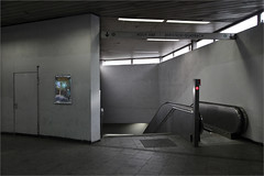 Abgang (LichtEinfall) Tags: station bahnhof köln sbahn haltestelle chorweiler raperre img7953abgangfin
