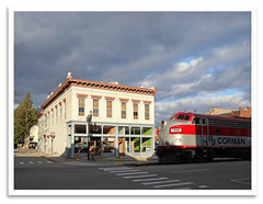 Street Scene (bogray) Tags: classic train vintage ky historic restored locomotive preserved coveredwagon frankfort f7 emd myoldkentuckydinnertrain funit dieselelectric rjcorman cabunit rjc1940
