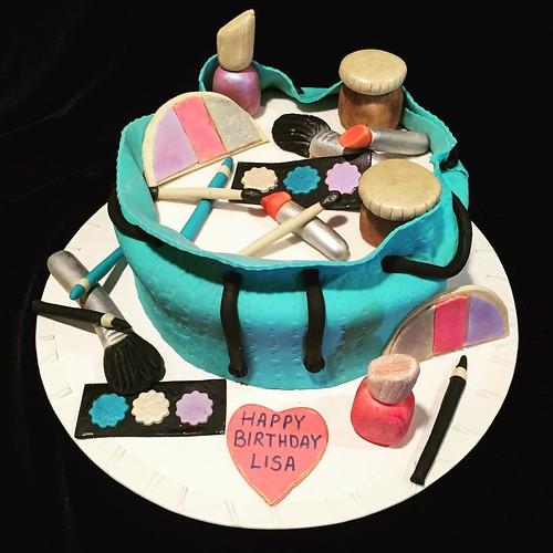 Makeup Artist Cake Birthday cake for makeup artist - mugeek vidalondon