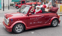 Santa Claus and his new ride (Rahat Kazmi) Tags: santa christmas xmas london gifts presents minicooper santaclaus aldgateeast rahatkazmi modernsanta