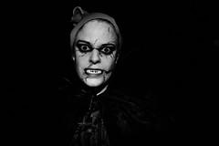 Hexenspaß zu Halloween (Kurt Gritzan) Tags: girls party portrait people bw art halloween girl monochrome germany dayofthedead dead deutschland skull blackwhite tv scary blood nikon zombie kultur makeup kinder menschen kind panic horror nrw dread monochrom zombies scare tod gelsenkirchen nordrheinwestfalen angst spass fright zombi blut terreur verkleiden spas geister schrecken schminke schminken horrow erschrecker kostüme gespenster anxiété skullpainting d7100 kurt65 kurtgritzan nikond7100 halloweengelsenkirchen halloweenhaus gruselspas gruselspasingelsenkirchen halloweeningelsenkirchen gespensterschminken halloween2015 gelsenkirchen2015