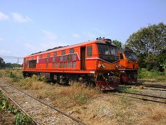 Bang Sue Depot, Thailand (Barang Shkoot) Tags: train thailand engine depot locomotive gauge srt metre bangsue rotfai