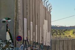 McAlleando (Don Csar) Tags: muro wall concrete palestine westbank border middleeast bethlehem frontera palestina separation mediooriente