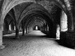 Fountains Abbey, UK (Huo Luobin) Tags: abbey yorkshire unesco fountains studley