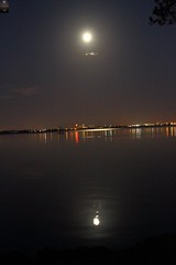 MOON OVER INDIAN RIVER X1 (R. D. SMITH) Tags: sky moon nature river outside florida moonset naturephotography indianriver canoneos7d