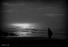 Luz de mar (antoninodias13) Tags: luz sol praia portugal mar chuva nuvens algarve pretoebranco frio rumor oceano maresia brisa arrifana silhuetas