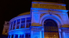 Politeama in blu per solidariet all'Autismo (toti accardo palumbo) Tags: 2 teatro blu aprile palermo garibaldi autismo politeama