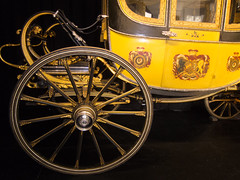 Gilded wheels on royal carriage (quinet) Tags: uk castle carriage alnwick northumberland schloss chteau chariot wagen