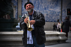 Street musician (Ploferreira) Tags: street musician music portugal photo live oporto strret
