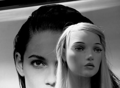 Le regard noir - The black look