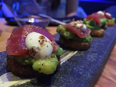 IMG_6473_2 (alisonsteinberg) Tags: barcelona food sushi avocado yum rice crispy eat tuna yubari