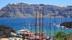 Santorini (arka76) Tags: blue sea sailboat amazing europa europe mediterranean mediterraneo santorini greece grecia magicmoment velero airelibre 50faves amazingscenery dreamplaces stunningplaces