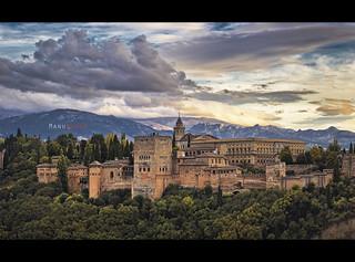 Atardece sobre la Alhambra.