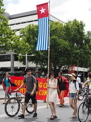 Invasion Day march and rally 2016-1260149.jpg (Leo in Canberra) Tags: march rally protest australia canberra australiaday act indigenous invasionday garemaplace 26january2016 aboriginalandtorresstraightislanders lestweforgetthefrontierwars endtheusalliance closepinegap