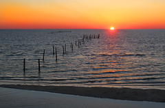 Sunset in the Easter Shore of the Chesapeake Bay (On Explore 2/29/2016) (die Augen) Tags: sunset seascape canon wow easter bay fishing sand waves easternshore shore poles brilliant chesapeake sl1 chesapeakebay