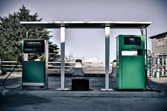 Green pump [Explored] (_Franck Michel_) Tags: green desert vert pump essence pompe