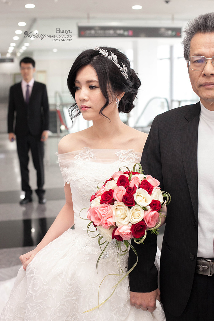 愛瑞思造型團隊,新秘Hanya,新秘推薦,黑髮新娘,黑髮造型,結婚造型,婚攝鐘小黑,徐州路二號,自然輕透妝感