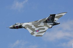 Avro Vulcan XH558 'The Spirit of Great Britain' during its final RIAT display, Fairford UK (Jeroen.B) Tags: show tattoo flickr force display britain spirit air great royal international final vulcan avro ffd fairford riat 2015 xh558 of egva gvlcn riat2015