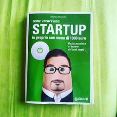 Piccolo manuale pieno di idee e consigli. Un libro al giorno per startupper, maker e innovatori.