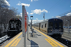 METRO-NORTH--125 (l), 4209 at Southeast (milantram) Tags: trains commuterrail metronorth passengertrains bl20gh electricrailtransport