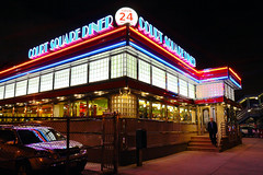 NYC - Court Square Diner (Michael.Kemper) Tags: voyage new york city usa ny travelling america canon court square us is united von diner queens states usm amerika efs f28 reise 30d 1755 staaten vereinigte canoneos30d courtsquarediner canonefs1755f28isusm