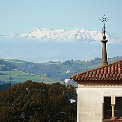 Desde mi ventana - From my window (nuska2008) Tags: espaa flickr gijn nieve asturias paisaje convento montaa campos sierradelaramo rboles nieblabaja nuska2008 olympussz30mr nanebotas principadpdeasturias